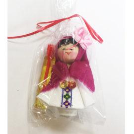 Битова национална кукла мини с носия и фиолка - момиче - момиче, национални кукли, битови сувенири, склад, на едро, традиционни български сувенири на едро , онлайн, София, Пловдив, Варна